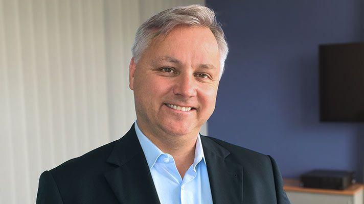 Michael, gerente de cuentas de ventas sénior (Oficina de Alemania)