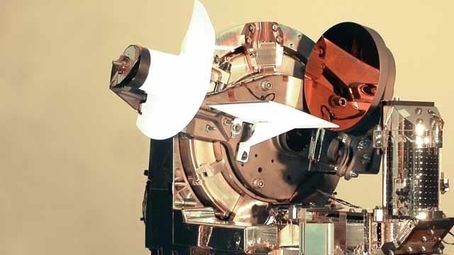 Creación del primer enlace óptico láser bidireccional del mundo en Astrium.