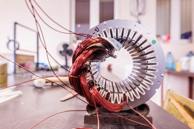 Estátor y bobinado de un motor eléctrico de tracción